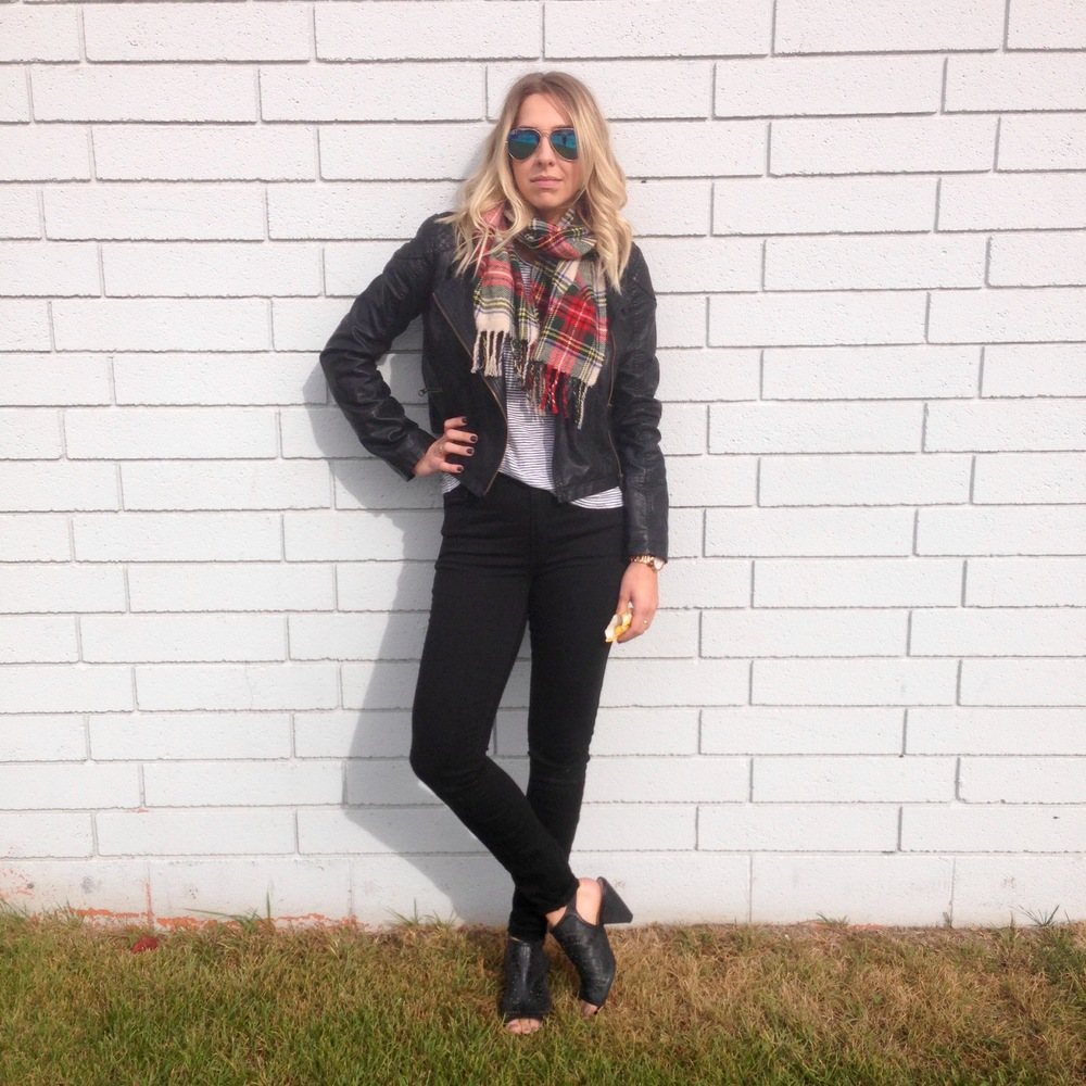 Look one:  Gap heritage fit jeans | Forever 21 scarf | Free People jacket | Gap tee | Vince Camuto booties | Ray Ban Aviators