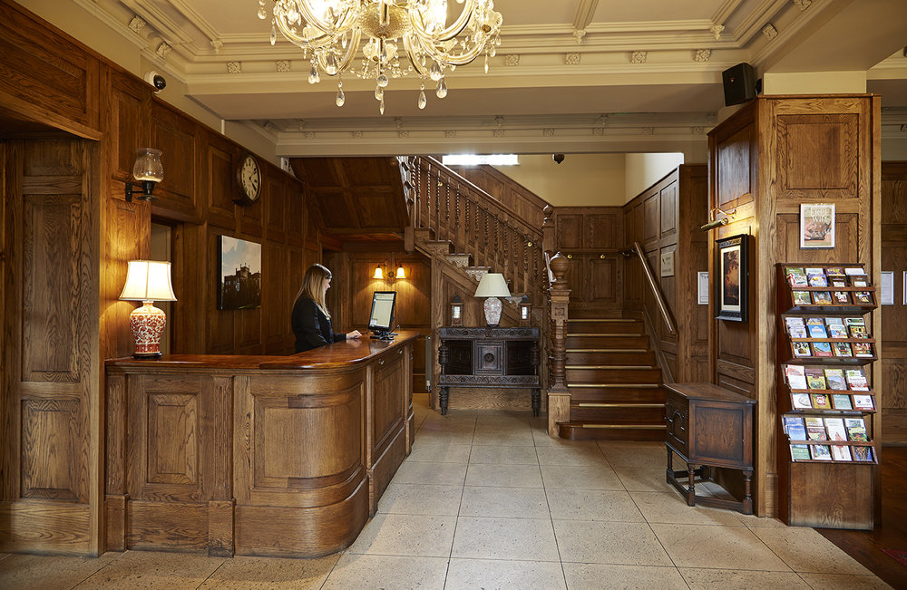 ryde castle interior photography property photography old english inns oei greene king bedroom exterior entrance.jpg
