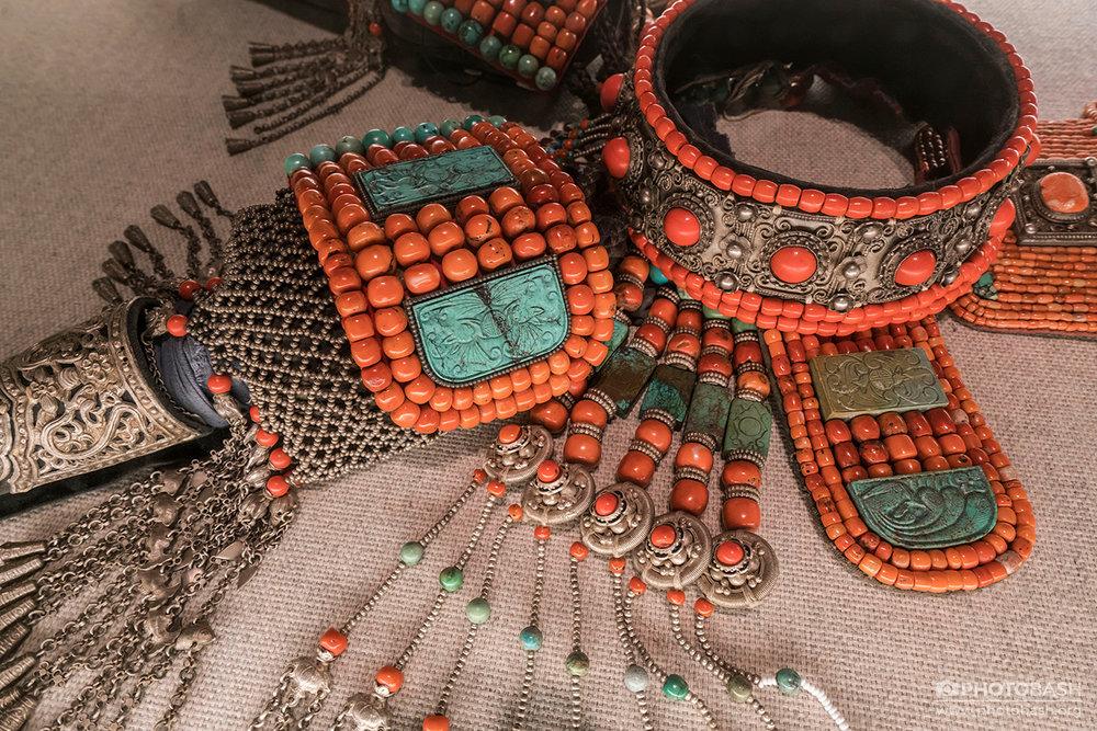 Tibetan-Costumes-Jewellery.jpg