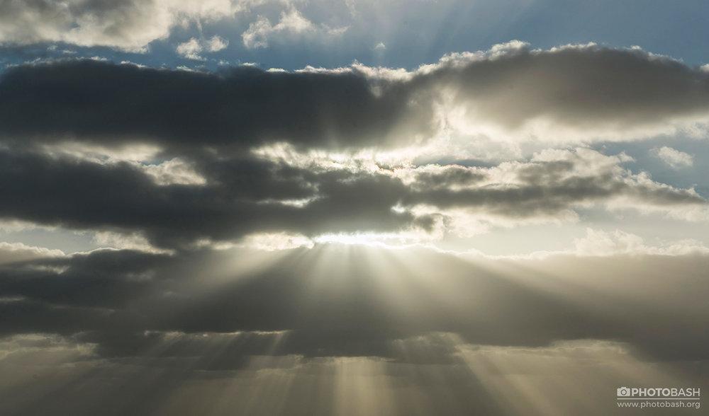 Dramatic-Skies-Godrays-Sunbeams.jpg