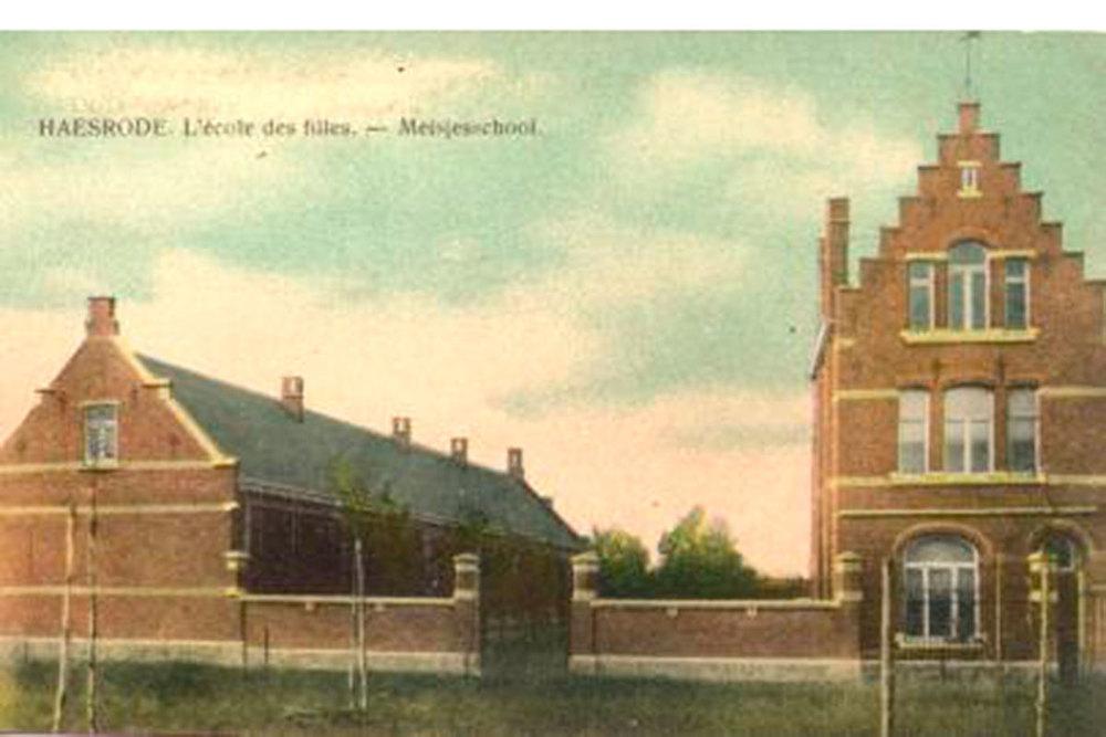 Meisjesschool Haasrode. Prentkaart ca 1910.