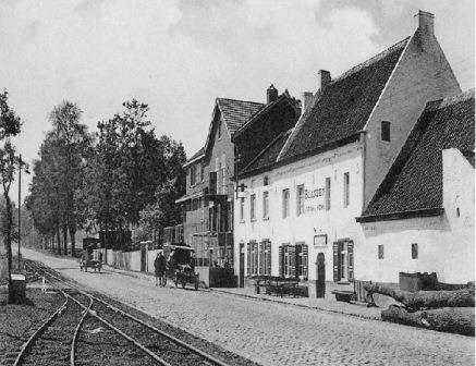 'Chateau de Namur'. Tramsporen en laatste halte voor de taalgrens. GHKOH