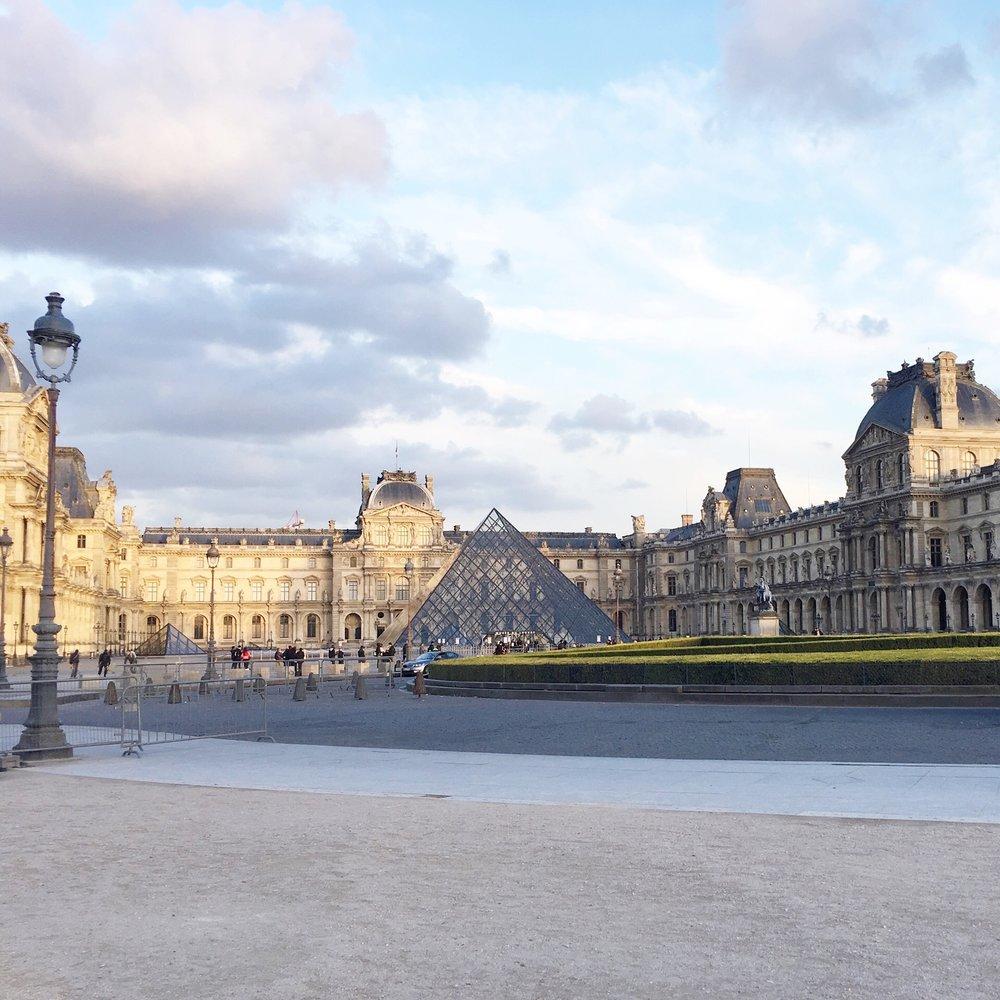 Paris on meethaha.com