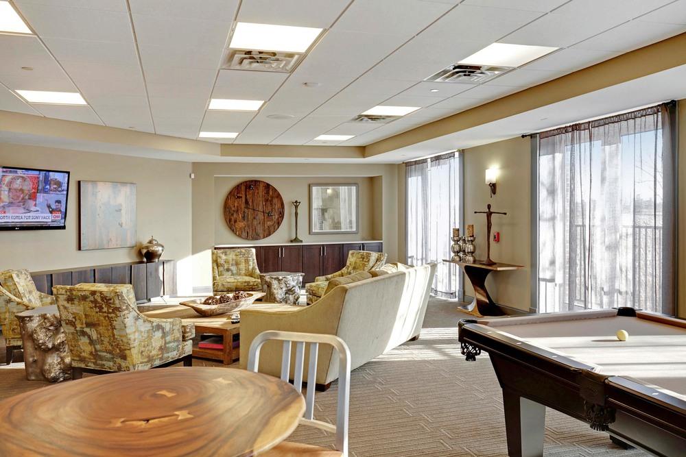 Resident Lounge 2.jpg