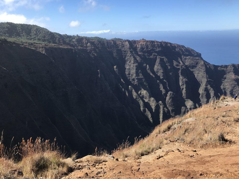 waimea canyon hikes