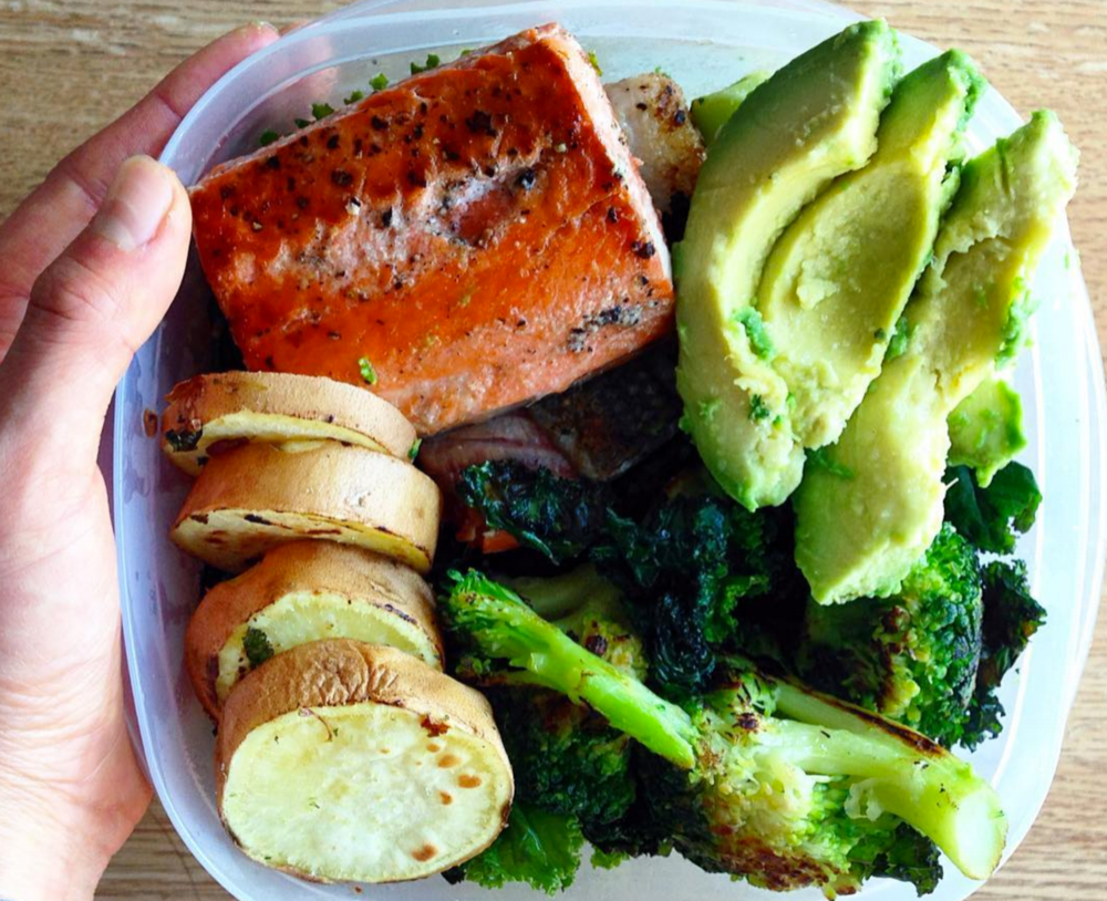 One of my favorite combos: salmon + avo + veggies