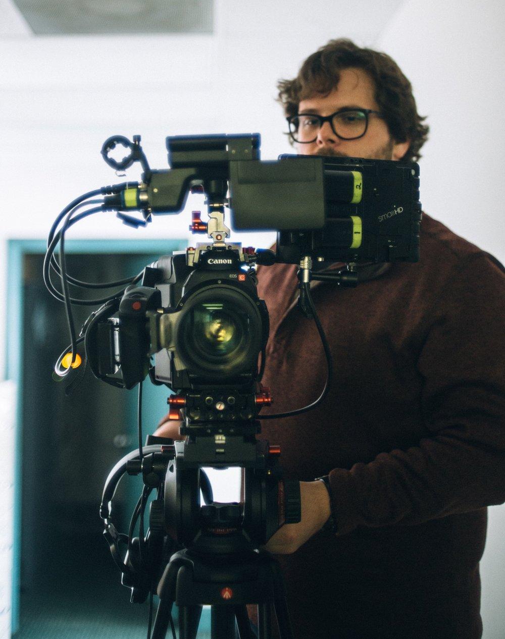 eliott acevedo pittsburgh videographer videography video production i m eliott acevedo i m a producer videographer and editor in pittsburgh pennsylvania