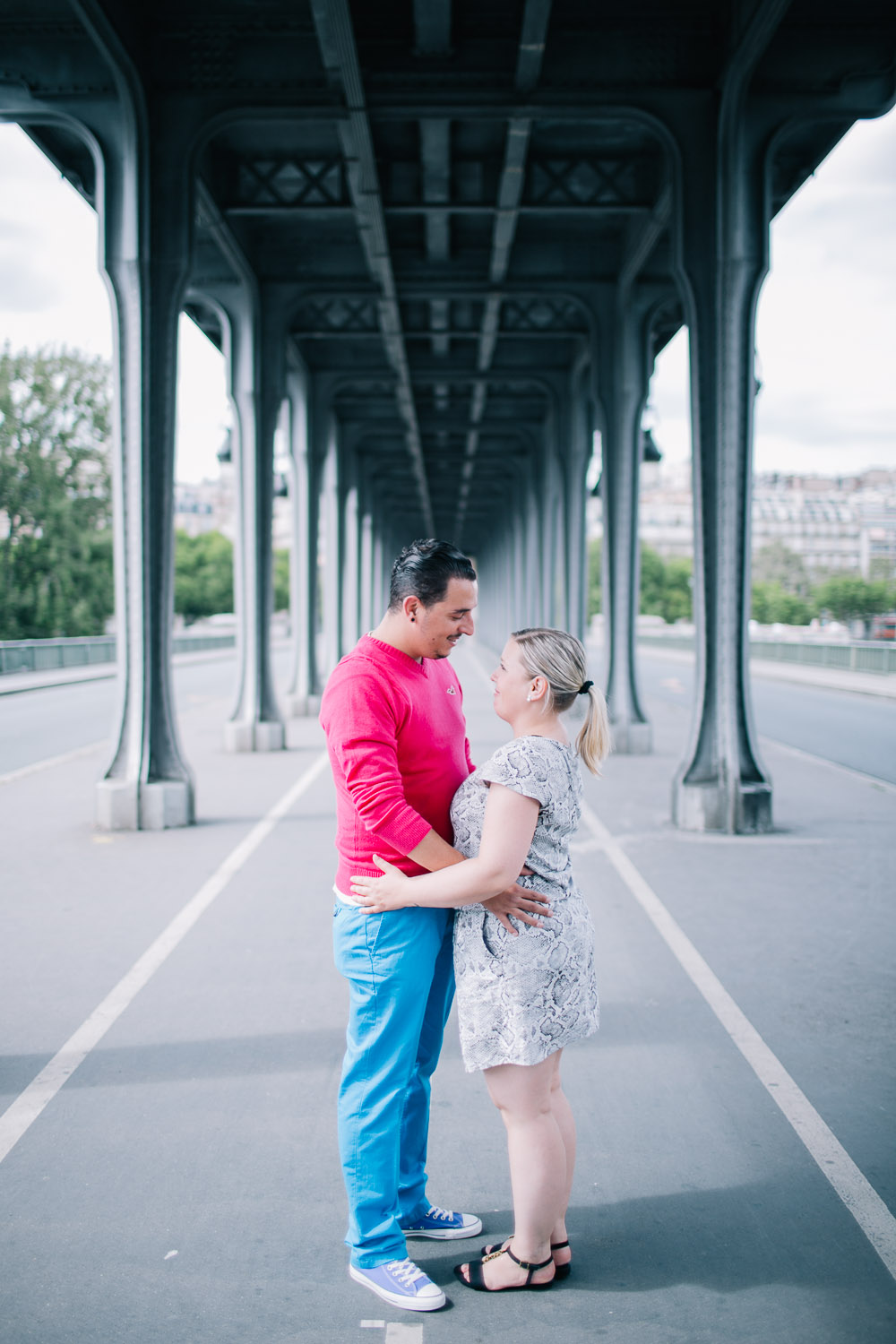E-session near metro in Paris, Bir-Hakeim bridge