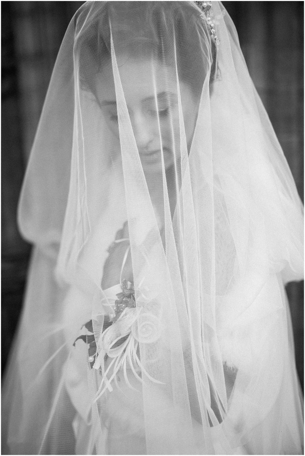 Winter bride in Antwerp