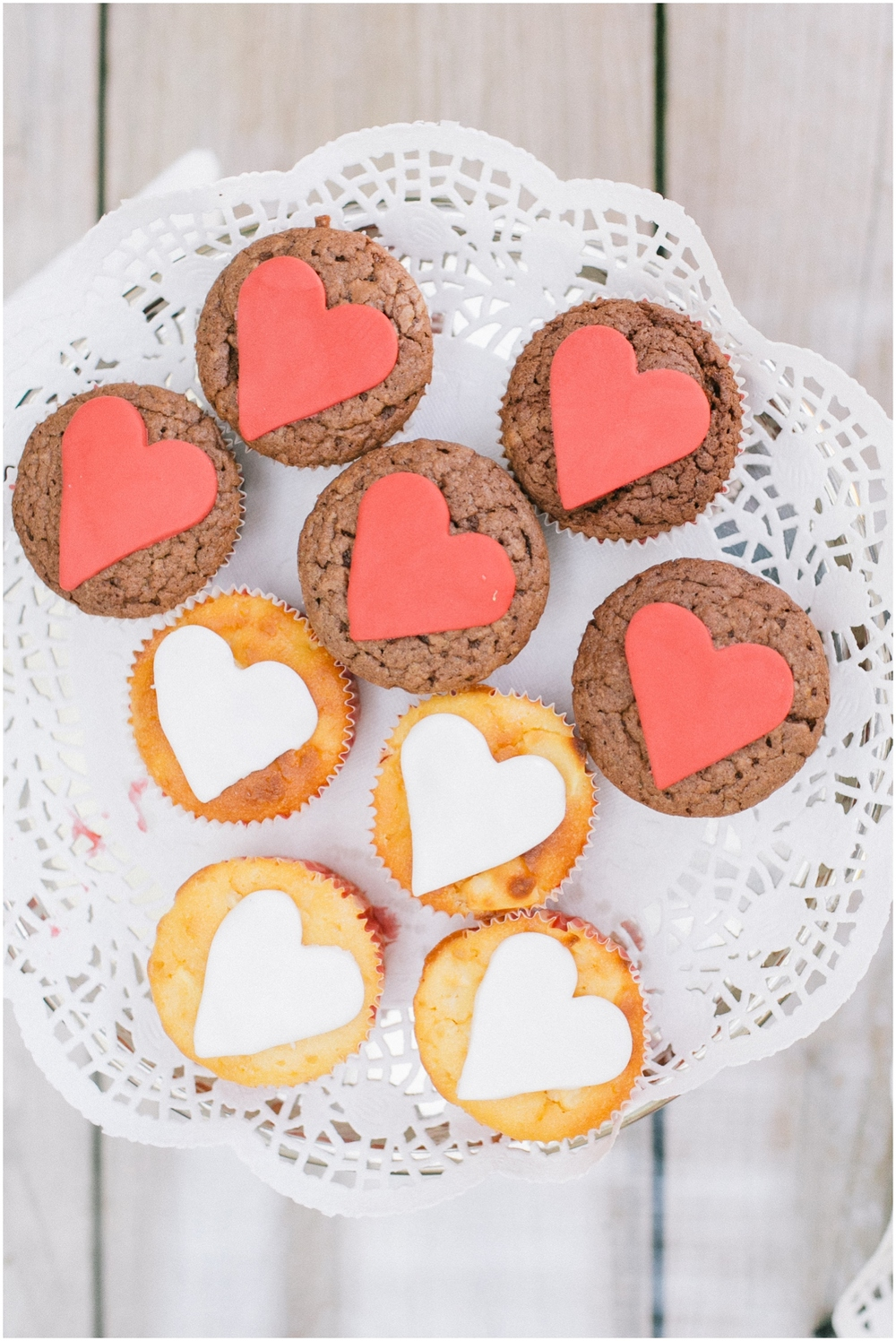 Cupcakes at wedding with hearts