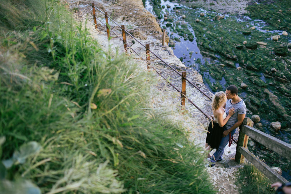 engagement-session-etretat-normandy-france-photo-011.jpg