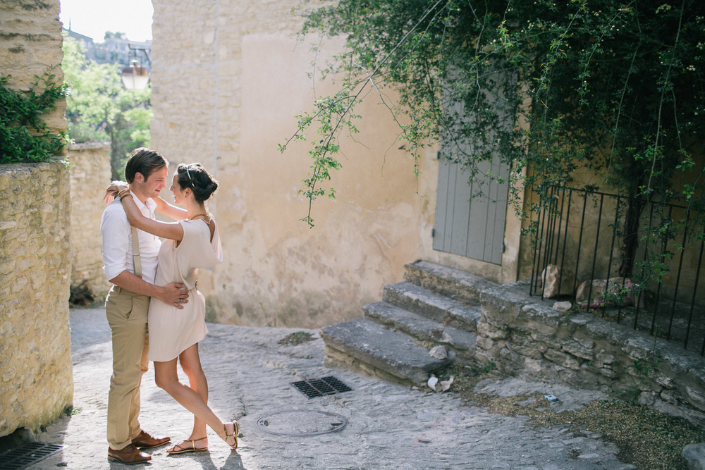 engagement-session-gordes-provence-025.jpg