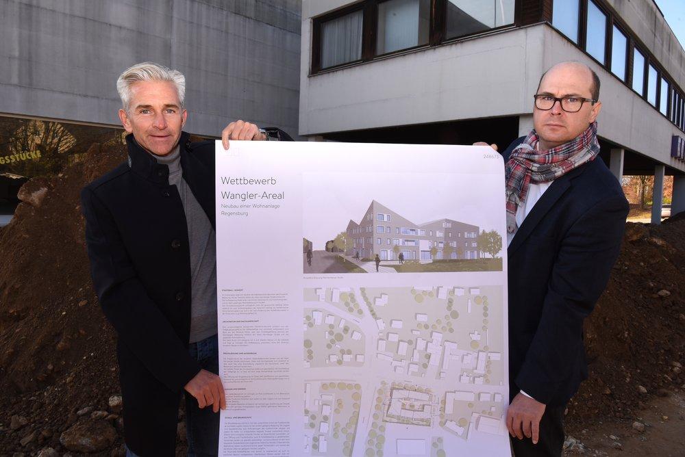 Projektleiter Peter Frank (Donhauser) und Architekt Akos Boczko (Pure Gruppe)  Foto: Donhauser/H.C.Wagner
