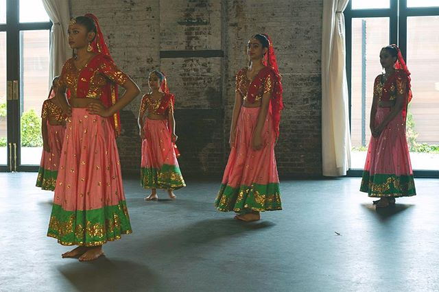 Practice, practice, practice. That's what it takes to be superb at traditional Hindi dance routines for these little ones. These girls travel all over the world performing their routine. I had the pleasure of capturing them while in Brooklyn. . . . . . . #traditional #traditionaldance #danceroutine #hindisongs #hindi #hindisong #brooklyn #fujifilm #practicepracticepractice #practice #dresses @fujifilm_northamerica @hindi.songs_