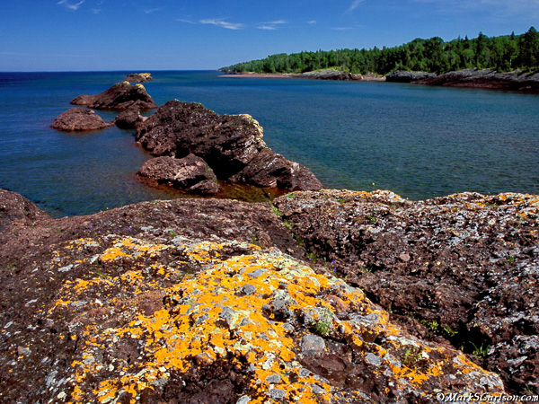 Lichen-covered rocks at Horseshoe Harbor; ©markscarlson.com