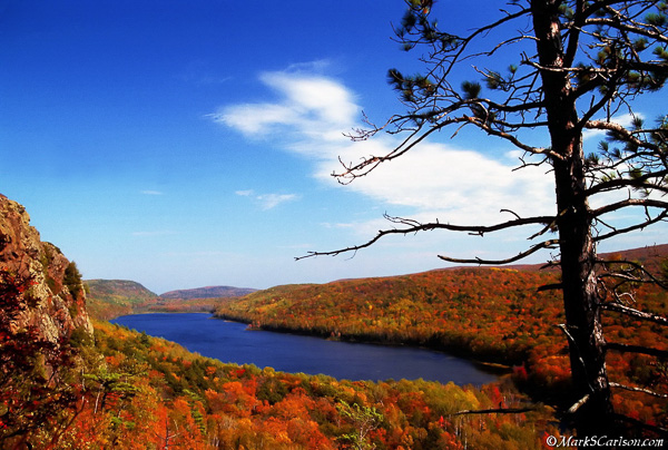 Lake of the Clouds, autumn; ©markscarlson.com