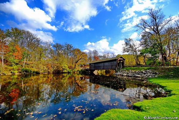 Fallesburg-Covered-Bridge-autumn
