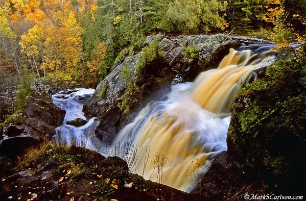 Gabbro-Falls-autumn