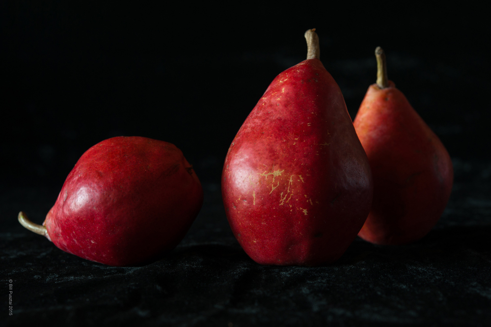 Pyrus communis 'Stark Crimson'