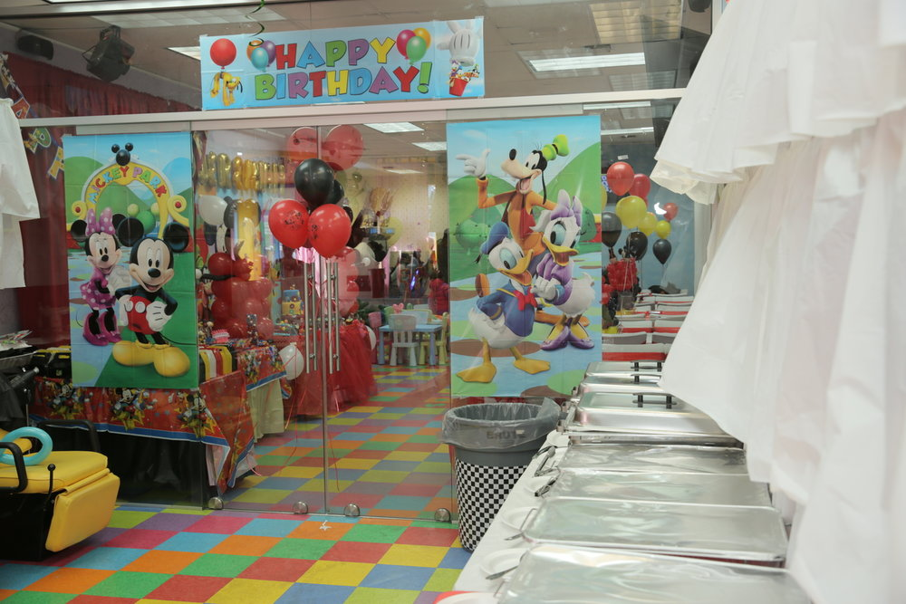 Mickey Party glass doors and balloonsJPG.jpg