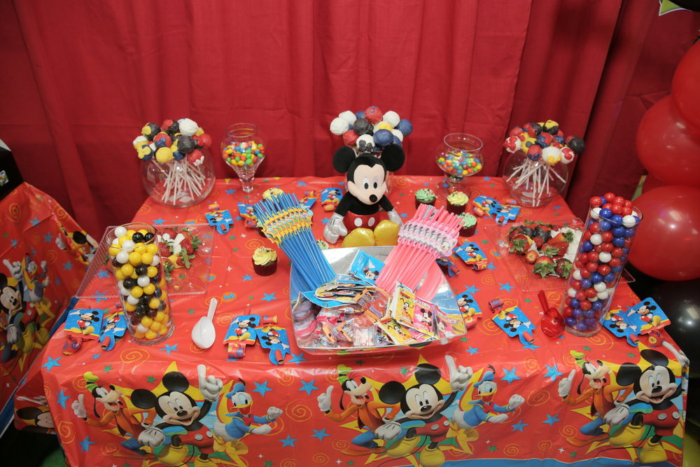 Mickey Party toys and prizesJPG.jpg