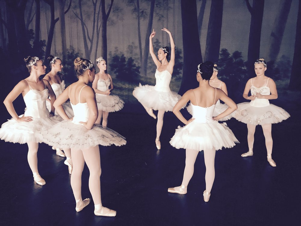 Ballerina APPLE commercial shoot -05.jpg