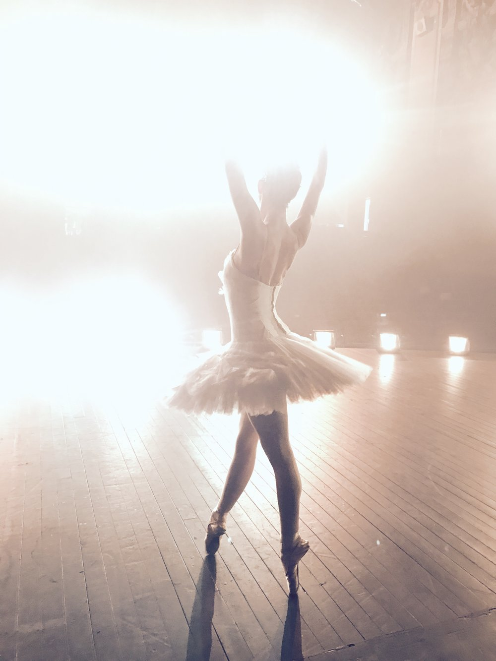 Ballerina APPLE commercial shoot -12.jpg