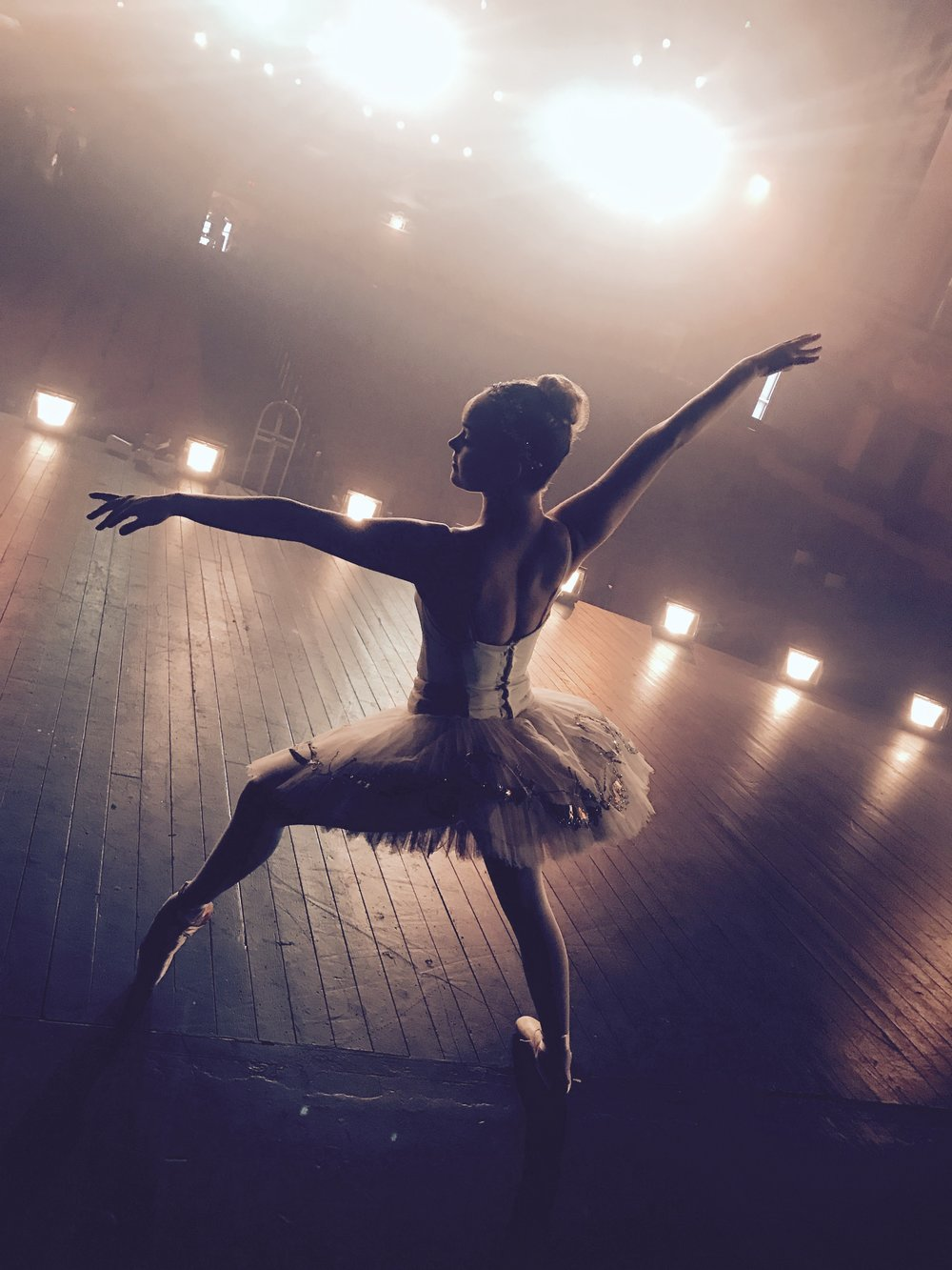 Ballerina APPLE commercial shoot -17.jpg