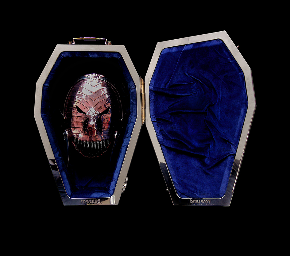 MASK IN VELVET LINED CASKET