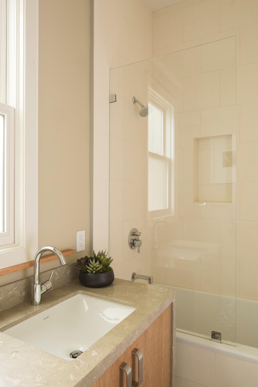 Guest_Bath_1710.jpg