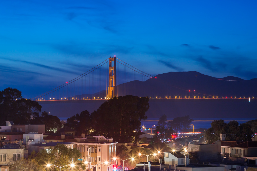 View_Night_GGB_Close_1572.jpg