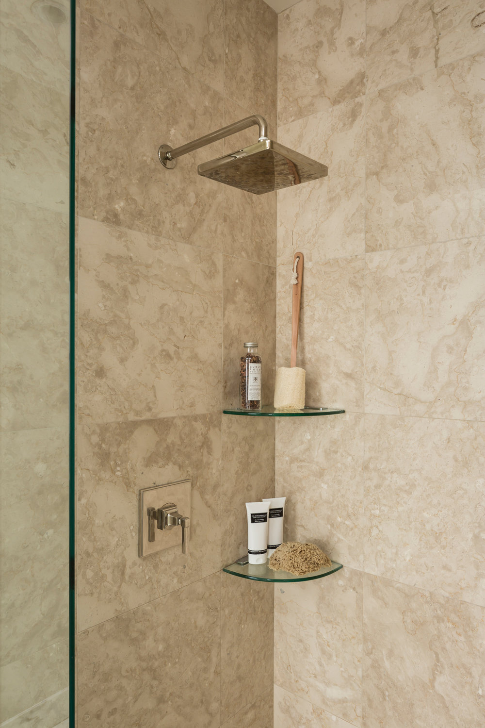 L2_Master_Bath_Shower_7673.jpg