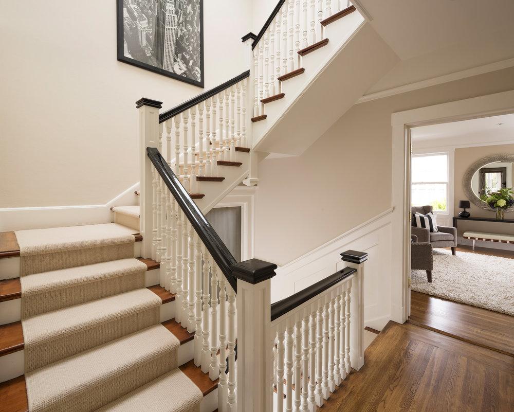 L2_Stairway_7741.jpg