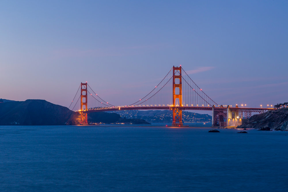 View_GGB_Close_Night_5791.jpg