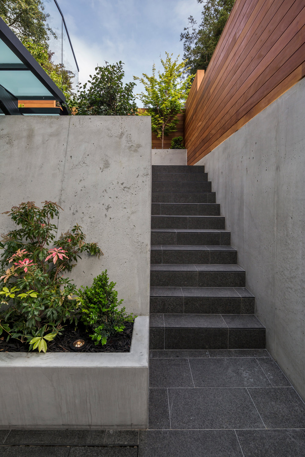 160_Lower_Patio_Stairway_1668.jpg