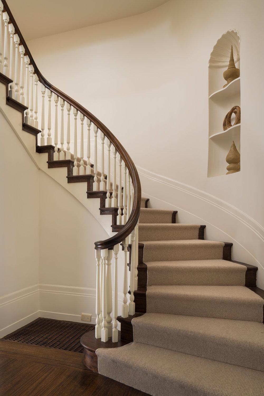 L1_Entry_Stairway_8162.jpg