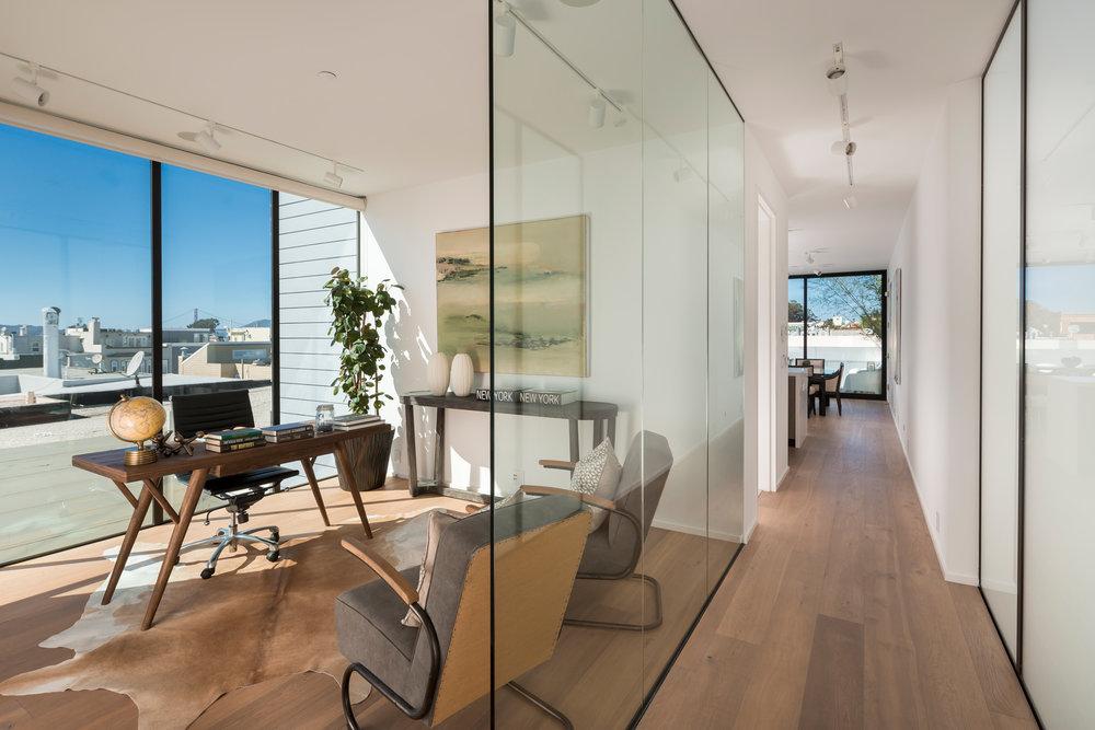 Hallway_Office_9472.jpg