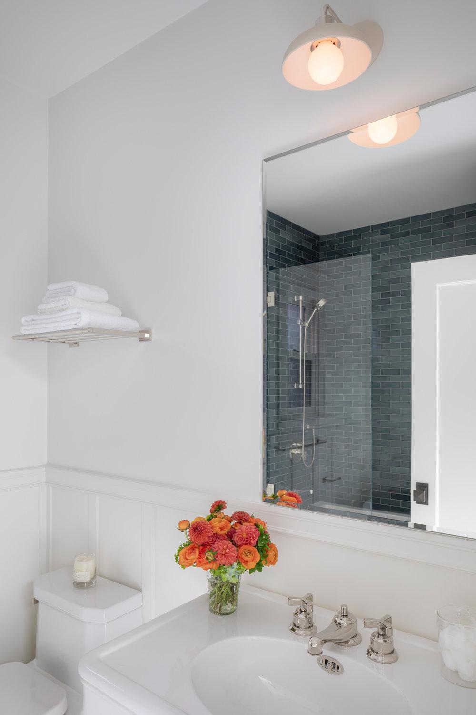 L2_Guest_Bath_1097.jpg