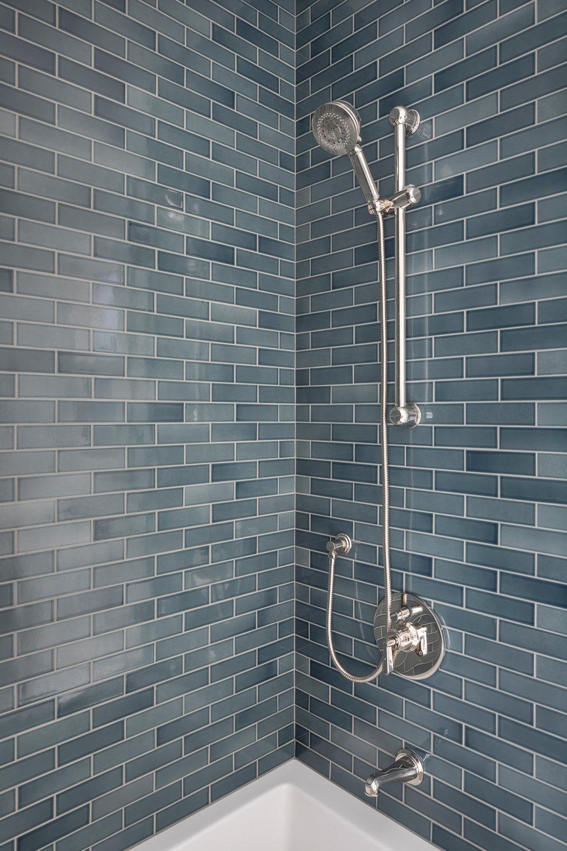 L2_Guest_Bath_Shower_1102.jpg