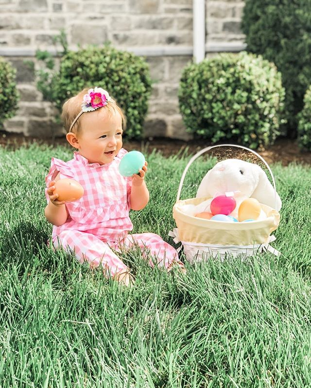 "So I'm going to admit I wasn't going to do an Easter Basket this year because I thought ""she won't remember anyway"" 🙈✨. I know, mom of the year, right? . But then that trusty mom-guilt kicked in and I picked up a basket at the grocery store. But for real? What the heck do you put in an Easter basket for a baby if they're not eating candy yet? . I had to put my thinking cap 🤠on for this one but here's what I came up with for Harlow's basket this year. These are also great if you want some non-candy ideas for toddlers and small kiddos. . 🐇bubbles. 🐣an Elmo squirting bath toy. 🐇a book about Easter. 🐣a stuffed rabbit 🐇sidewalk chalk for her first scribbles. 🐣plastic nesting eggs that fit inside eachother. 🐇finger puppets because she's really into her fingers these days lol. . What are some other ideas you mamas have for non-candy Easter baskets? 💓comment below 👇🏻. . . . . . #momlife #mom #love #motherhood #family #baby #kids #parenting #babygirl #momblogger #babyboy #happy #instagood #momsofinstagram #cute #mommy #babies #dad #toddler #newborn #photooftheday #parenthood #life #boymom #mama #beautiful #instababy #babylove #mother"