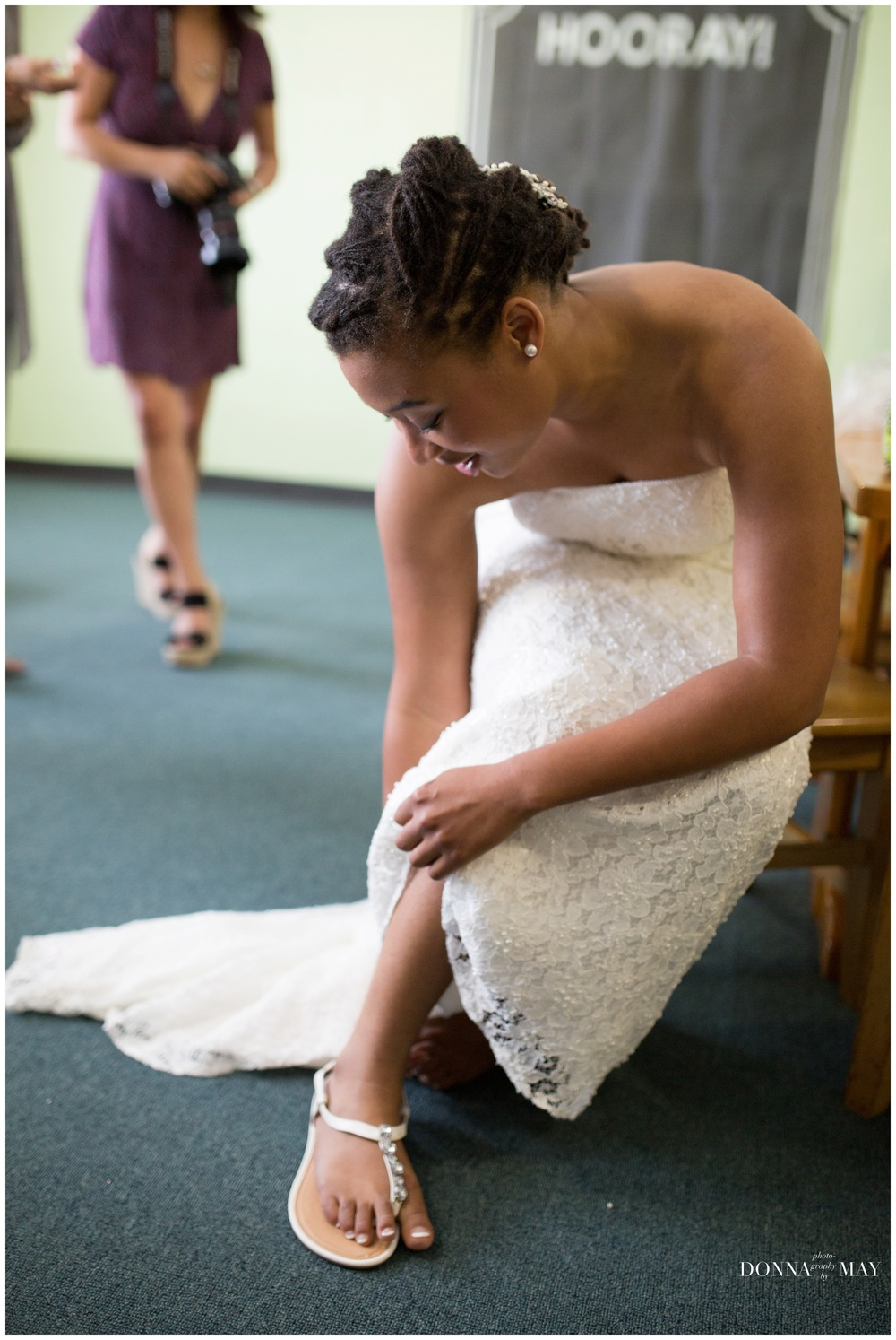 bridegettingready.jpg