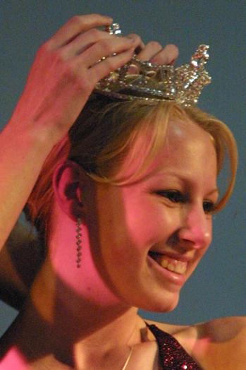 2003, Sheleni Aiken