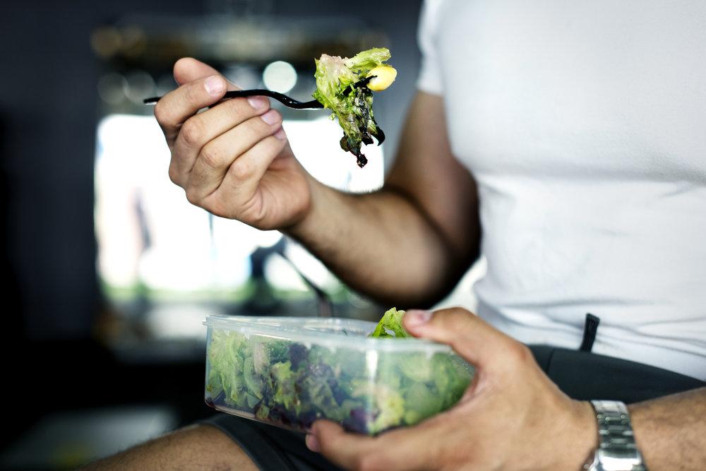 people-eating-healthy-food-PQJ793T.jpg