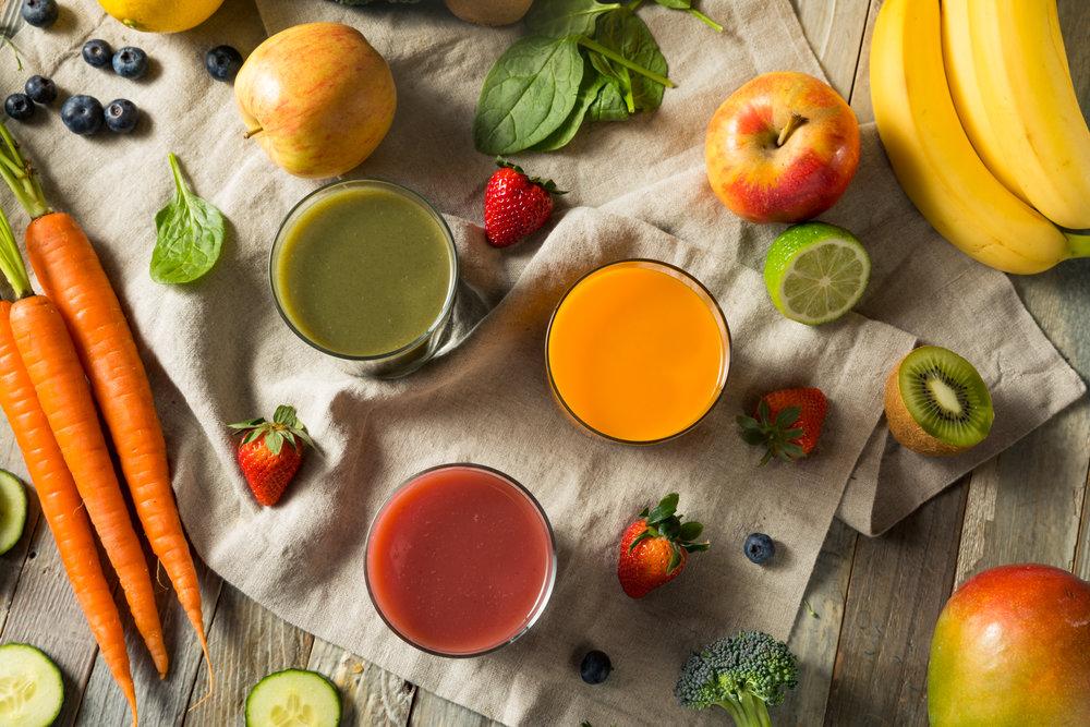 raw-organic-healthy-detox-juices-PGEDW38.jpg