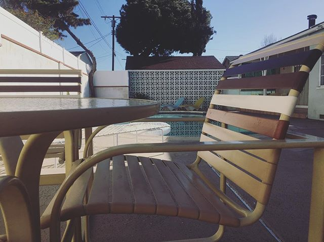 Brown Jordan weather on the horizon...☀️ #vintage #patio #swag #locationservices #brownjordan