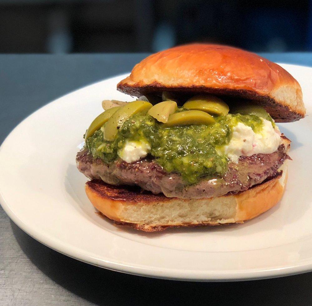 VIS-1801-burger-the-gaucho.jpg