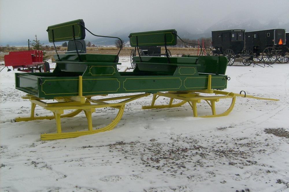 green-sleigh-6300511.jpg