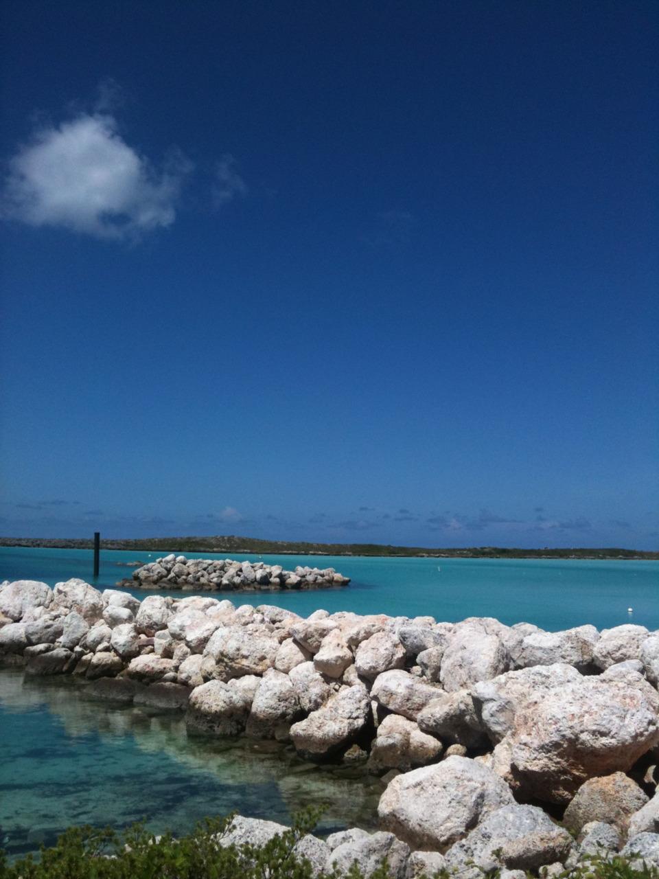 Take me there : Nassau Bahamas Photo by: Rickina xoxo