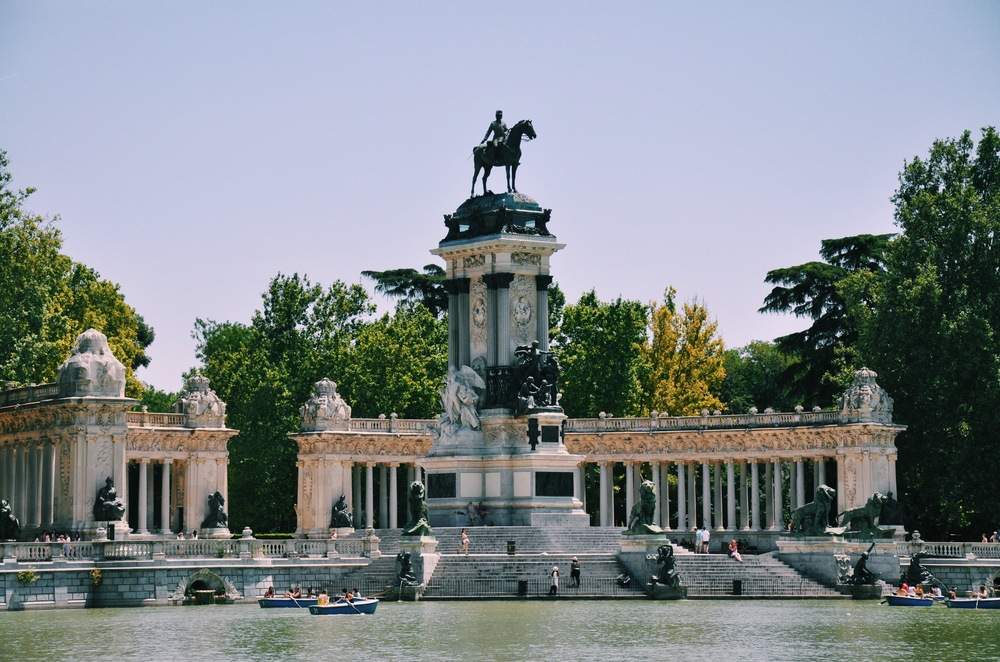 View of the statues at Retiro.