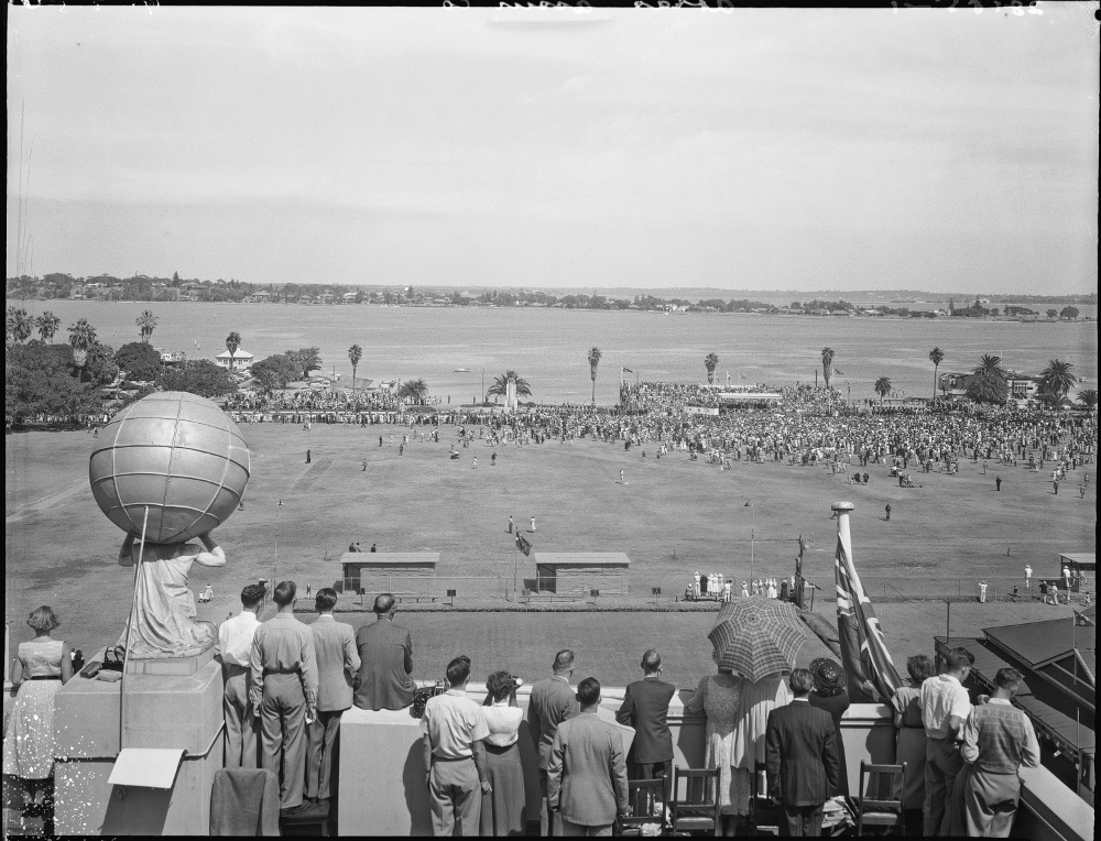 1954 View from Atlas Building during the Royal visit to Perth State Library of Western Australia Image: SLWA 102602PD